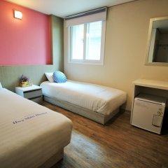 Dongdaemun Hwasin Hostel сейф в номере