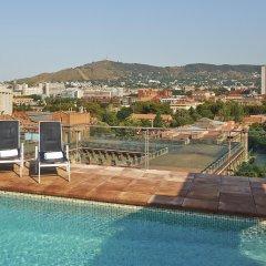 Отель NH Barcelona Stadium бассейн