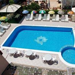 Family Hotel Venera Свети Влас бассейн