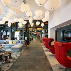 Отель citizenM Copenhagen Radhuspladsen гостиничный бар