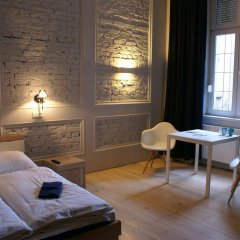 Отель Tenement House Познань комната для гостей фото 2