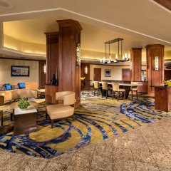 Отель DoubleTree by Hilton Carson интерьер отеля