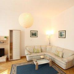 Отель CheckVienna Edelhof Apartments Австрия, Вена - 1 отзыв об отеле, цены и фото номеров - забронировать отель CheckVienna Edelhof Apartments онлайн комната для гостей фото 13