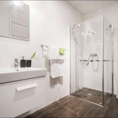 Отель P&O Apartments Oxygen Wronia 1 Польша, Варшава - отзывы, цены и фото номеров - забронировать отель P&O Apartments Oxygen Wronia 1 онлайн ванная