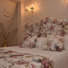 Отель English Home Tbilisi комната для гостей фото 5