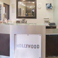Отель Comfort Inn Near the Sunset Strip США, Лос-Анджелес - отзывы, цены и фото номеров - забронировать отель Comfort Inn Near the Sunset Strip онлайн интерьер отеля фото 2