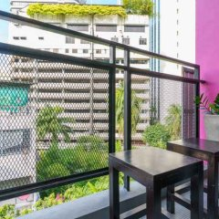 Хостел CheQinn Бангкок балкон