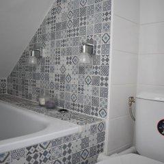 Апартаменты Cosy Renovated 1 Bedroom Apartment in 10th ванная