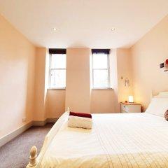 Апартаменты Vibrant Spacious Apartment In West End Глазго комната для гостей фото 2