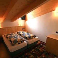 Отель Residence Dolomia Долина Валь-ди-Фасса сейф в номере
