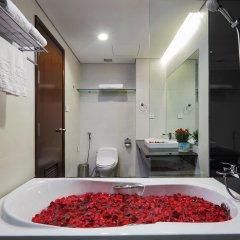 Отель Central Palace Hotel Вьетнам, Хошимин - отзывы, цены и фото номеров - забронировать отель Central Palace Hotel онлайн ванная