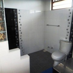Отель Ypsylon Tourist Resort Шри-Ланка, Берувела - отзывы, цены и фото номеров - забронировать отель Ypsylon Tourist Resort онлайн ванная фото 2