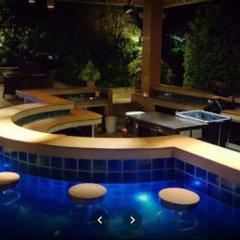Отель The Leela Resort & Spa Pattaya бассейн