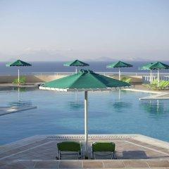 Отель Mitsis Family Village Beach Hotel Греция, Калимнос - отзывы, цены и фото номеров - забронировать отель Mitsis Family Village Beach Hotel онлайн бассейн фото 2