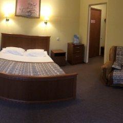 Old Port Hotel сейф в номере