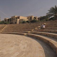 Отель Movenpick Resort & Spa Dead Sea парковка