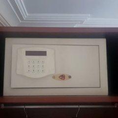 Hotel Akyildiz сейф в номере