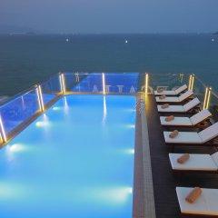 Отель Regalia Hotel Вьетнам, Нячанг - отзывы, цены и фото номеров - забронировать отель Regalia Hotel онлайн бассейн фото 3