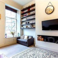 Апартаменты Vibrant Spacious Apartment In West End Глазго комната для гостей