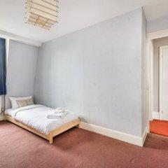 Отель 5 Bedroom House in Clerkenwell Лондон комната для гостей фото 4
