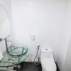 Отель Nida Rooms Suriyawong 703 Business Town Таиланд, Бангкок - отзывы, цены и фото номеров - забронировать отель Nida Rooms Suriyawong 703 Business Town онлайн ванная фото 2