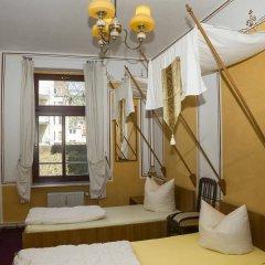 Отель Lollis Homestay - Hostel Германия, Дрезден - 1 отзыв об отеле, цены и фото номеров - забронировать отель Lollis Homestay - Hostel онлайн комната для гостей