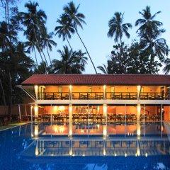 Отель Avani Bentota Resort Шри-Ланка, Бентота - 2 отзыва об отеле, цены и фото номеров - забронировать отель Avani Bentota Resort онлайн бассейн