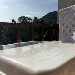 Отель Summer Guesthouse & Hostel Таиланд, Остров Тау - отзывы, цены и фото номеров - забронировать отель Summer Guesthouse & Hostel онлайн балкон