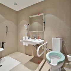 Отель Holiday Inn Тбилиси ванная фото 2