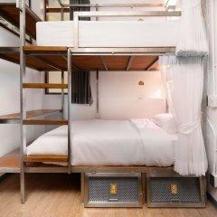 REST IS MORE Hostel Бангкок удобства в номере