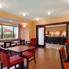 Отель Hampton Inn Columbus-International Airport США, Колумбус - отзывы, цены и фото номеров - забронировать отель Hampton Inn Columbus-International Airport онлайн питание фото 3