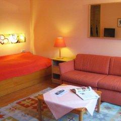 Отель Mondial Appartement Вена комната для гостей