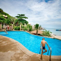Отель Montalay Beach Resort Koh Tao бассейн