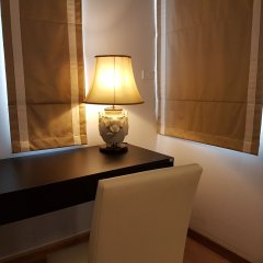 Отель 14 Place Sukhumvit Suites Бангкок удобства в номере фото 2