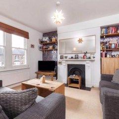 Отель 2 Bedroom Flat In North London Великобритания, Лондон - отзывы, цены и фото номеров - забронировать отель 2 Bedroom Flat In North London онлайн комната для гостей фото 3