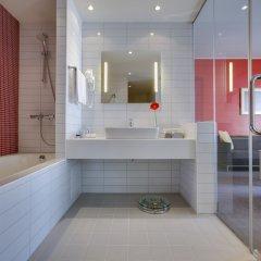 Гостиница Park Inn Астрахань в Астрахани 8 отзывов об отеле, цены и фото номеров - забронировать гостиницу Park Inn Астрахань онлайн ванная фото 2