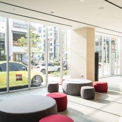 Отель ibis Ambassador Busan Haeundae банкомат