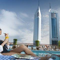 Отель Crowne Plaza Dubai ОАЭ, Дубай - отзывы, цены и фото номеров - забронировать отель Crowne Plaza Dubai онлайн бассейн фото 3