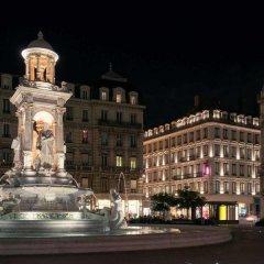 Отель Mercure Lyon Centre Beaux Arts Франция, Лион - отзывы, цены и фото номеров - забронировать отель Mercure Lyon Centre Beaux Arts онлайн вид на фасад фото 2
