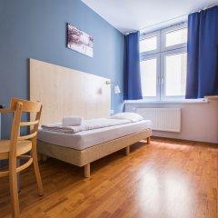 Отель a&o Hamburg Hauptbahnhof Германия, Гамбург - 2 отзыва об отеле, цены и фото номеров - забронировать отель a&o Hamburg Hauptbahnhof онлайн комната для гостей фото 3