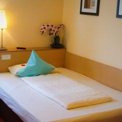 Отель Petersburg комната для гостей фото 2