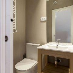 Отель Apartamentos Casa Malasaña Испания, Мадрид - отзывы, цены и фото номеров - забронировать отель Apartamentos Casa Malasaña онлайн ванная фото 2