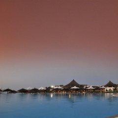 Отель Royal Zanzibar Beach Resort All Inclusive бассейн
