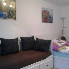 Апартаменты Alice Apartment Кёльн комната для гостей фото 3