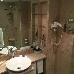 Отель The LaLiT Mumbai ванная