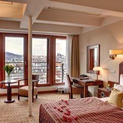 Hotel Majestic Plaza 4* Улучшенный номер с различными типами кроватей фото 4