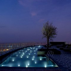 Отель Andaz Capital Gate Abu Dhabi - A Concept By Hyatt Абу-Даби бассейн