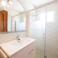 Отель Villa Es Port Santa Ponça ванная фото 2
