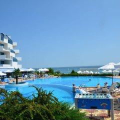 Отель PrimaSol Sineva Beach Hotel - Все включено Болгария, Свети Влас - отзывы, цены и фото номеров - забронировать отель PrimaSol Sineva Beach Hotel - Все включено онлайн бассейн фото 2