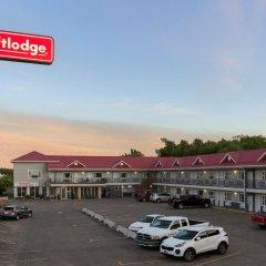 Отель Thriftlodge Saskatoon парковка
